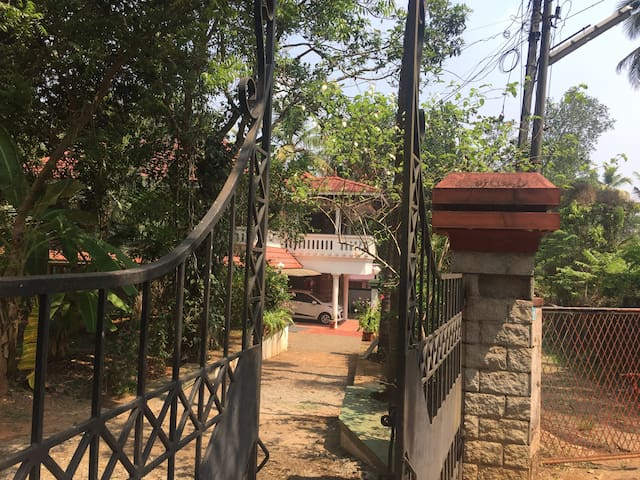 Nandanam Homestay (near Kochi Airport- Room No. 1)