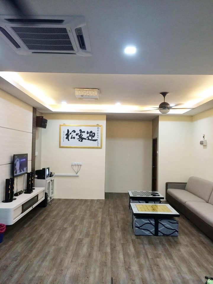 家庭娱乐豪华民宿 :舒适干净,卫星电视 ,卡拉OK点唱机 ,无线上网