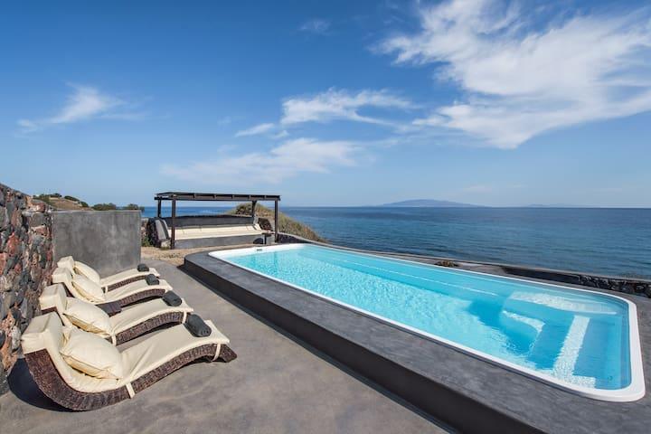 Villa Ramni Private Pool & Beachfront -by Thireon