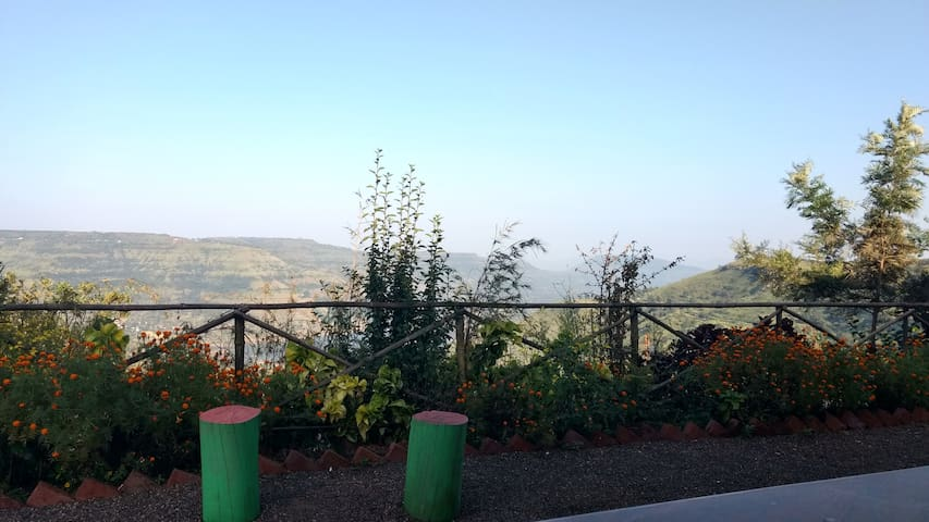 lake view cottages in Panchgani-Mahabaleshwar