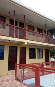 Habitaciones en el Centro de Limón