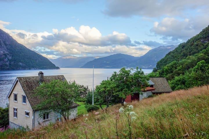 Solbakken by Hardanger Fjord (room 4)