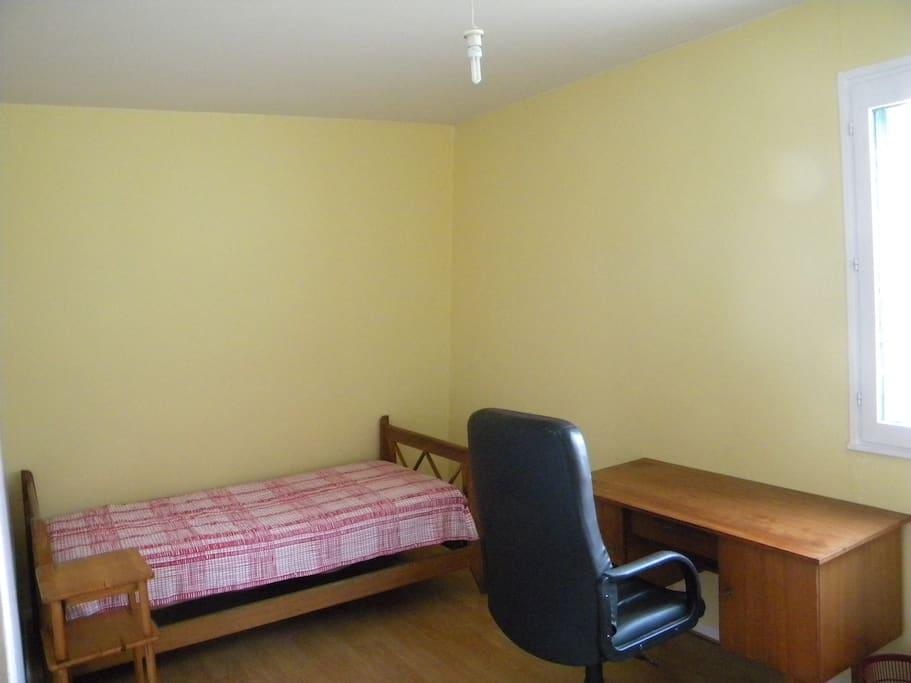 2 chambres dispo dans appartement 82 m2 meubl wohnungen for Appartement meuble lille