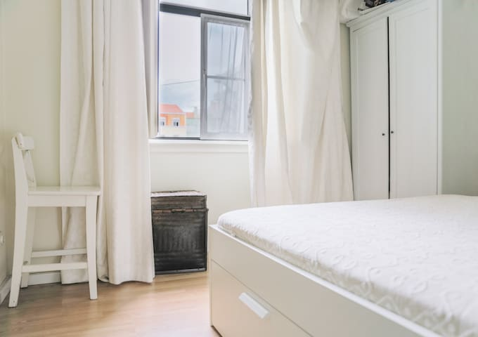 Double Room in Lisbon (Campo Ourique)