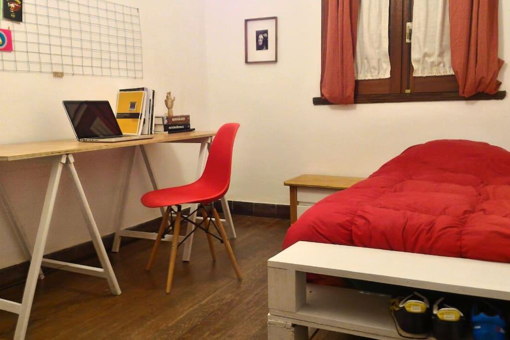 Habitaci n privada con escritorio en pocitos wohnungen for Escritorios uruguay