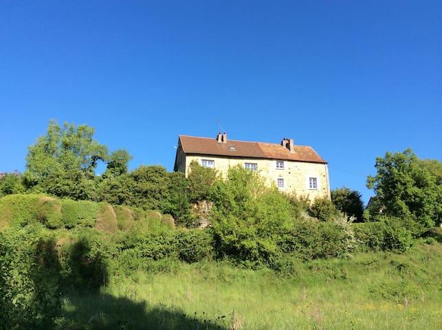 GITE LE HAUT CHAVY - Tournus - Huis