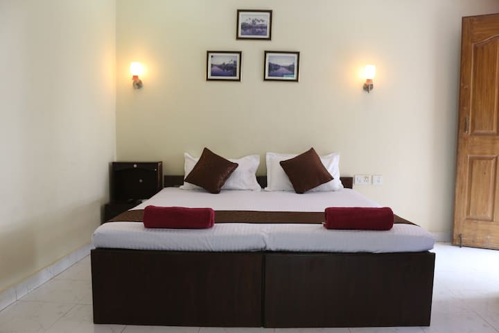 AC Riverfront Comfortable Stay near Baga Beach