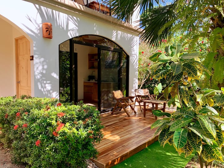 Cantarana's Tropical Beach villa, Playa Grande,