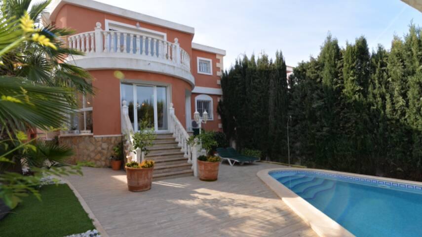 Villa Marsav en el  Mediterraneo Alicantino
