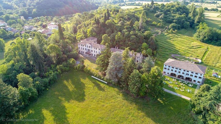 Villa Albrizzi - 5 Historical villa near Asolo