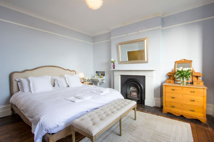 Amazing Sea Views in Huge Victorian House & Garden - Broadstairs - House