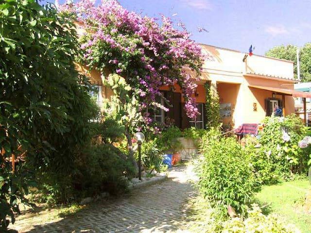 Matrimoniale con giardino