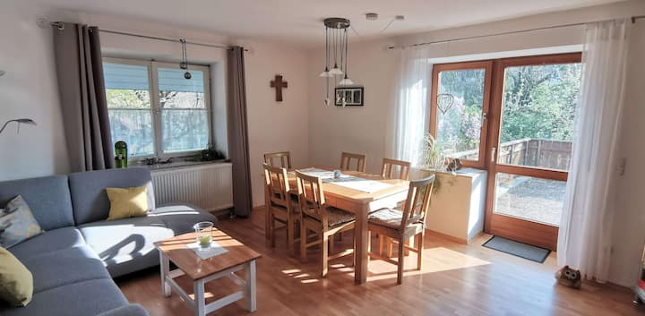 Ferienhof Hanssler, (Wilhelmsdorf), Ferienwohnung Knechtskammer, 70 qm, 2 Schlafzimmer, 1 Wohnzimmer, max. 5 Personen