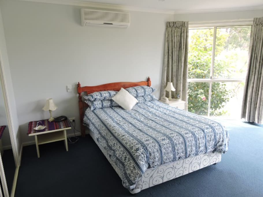 Guest bedroom, plenty of space and light