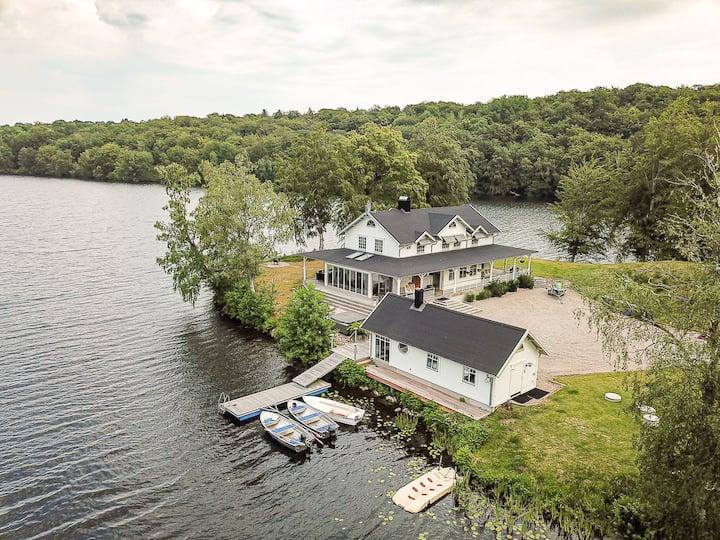 Extraordinary New England Villa in Värnamo