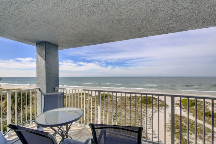 Gulf front corner unit with two bedrooms two full bathrooms with direct Gulf vie