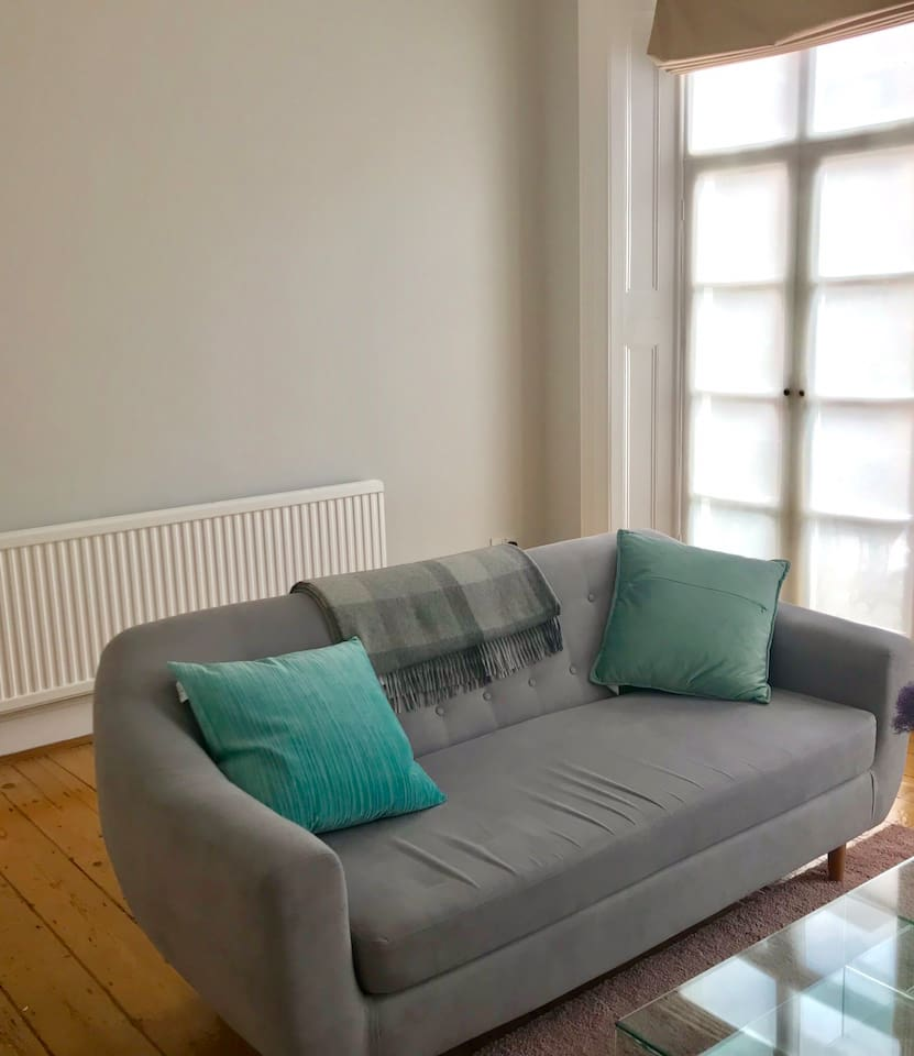 Iconic Georgian style 1 bedroom apartment for 2