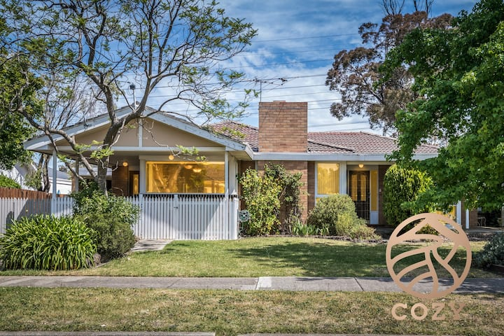 132*Homely Glen Waverley Retreat*3Bd1Bt