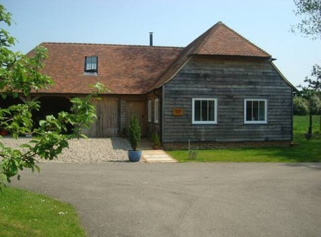 Idyllic rural retreat, close to Canterbury, tennis - Hastingleigh - Huis