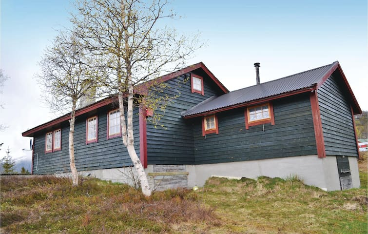 Holiday cottage with 2 bedrooms on 70m² in Vøringsfoss