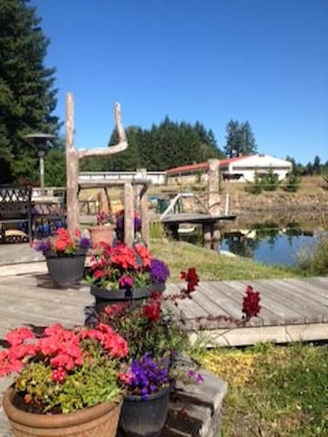 Peace and Tranquility on 80 Acres and private lake - Duncan - Bed & Breakfast