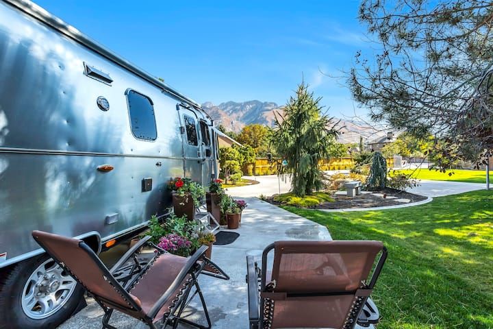 2021 Airstream Classic with Mountain Views!
