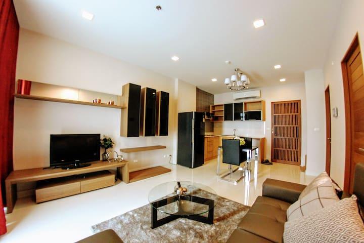 Casalunar Paradiso Seaview 1BLK - Tambon Saen Suk - Condominium