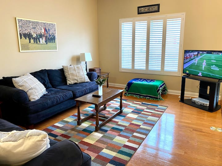 Notre Dame Townhouse - Walking distance to campus!