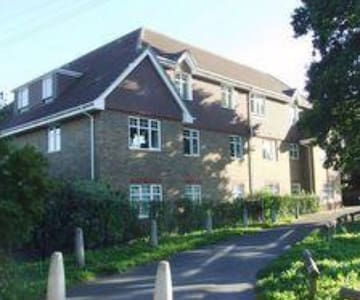 Beautifully Appointed One Bedroomed Apartment