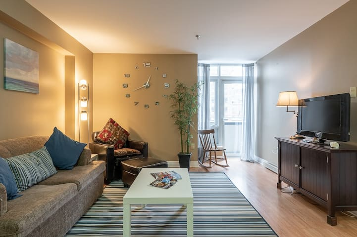 Vibrant Condo in the Heart of Downtown Halifax