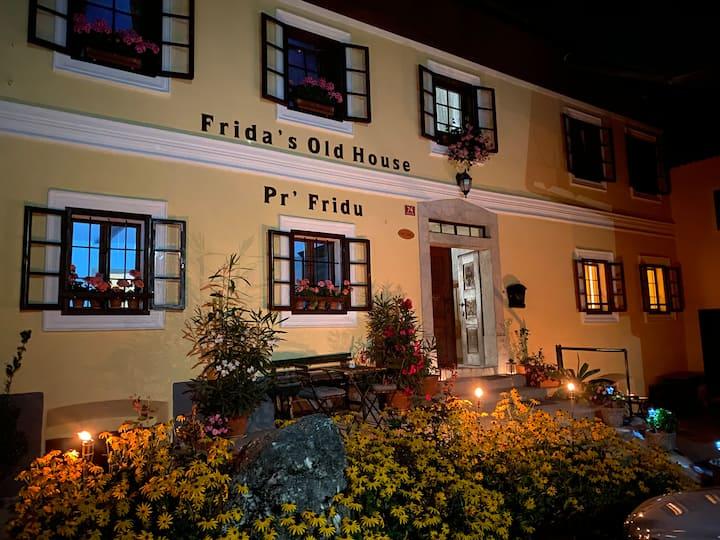 Frida's Old House- Studio 2