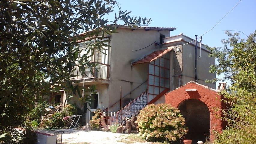 Piccola casa in campagna - Zagarolo - Rumah