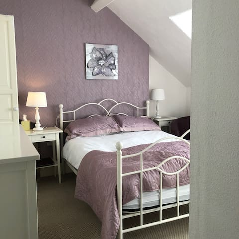 Double room-Ensuite-Room Only