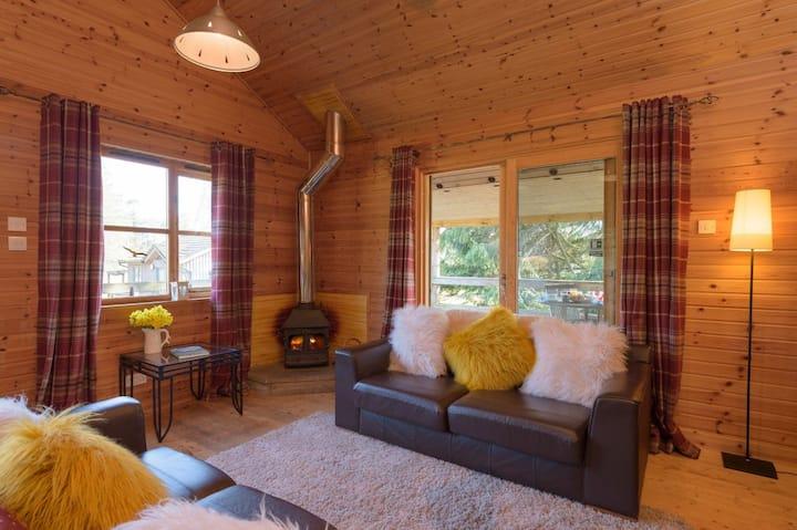 Ben Macdui Lodge, Woodend of Glassel
