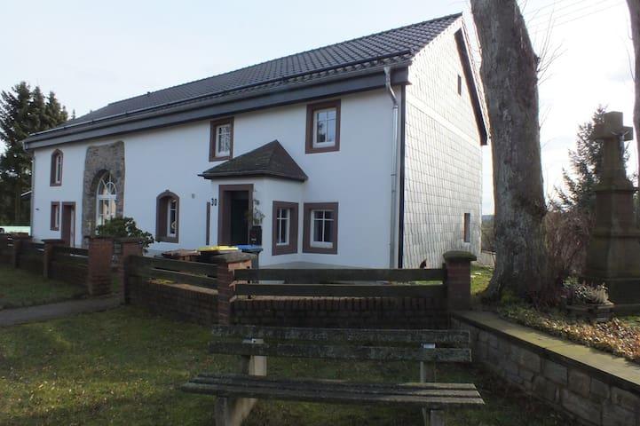 Feriendomizil Eifelhaus Brenk - Dahlem - Huis