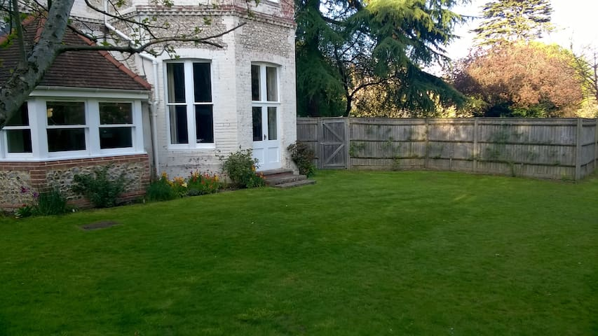 Garden flat in central Winchester - Winchester - Flat