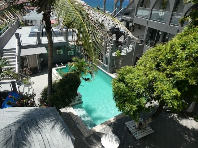 Sun Tan Apartment 11, near the sea