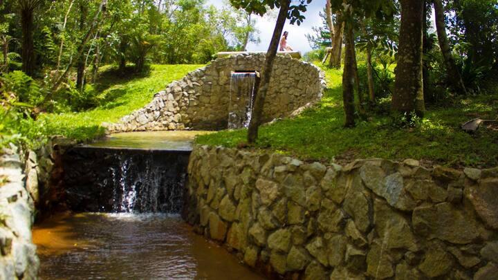 Sítio Perto da Capital - Cachoeira Piscina Churras