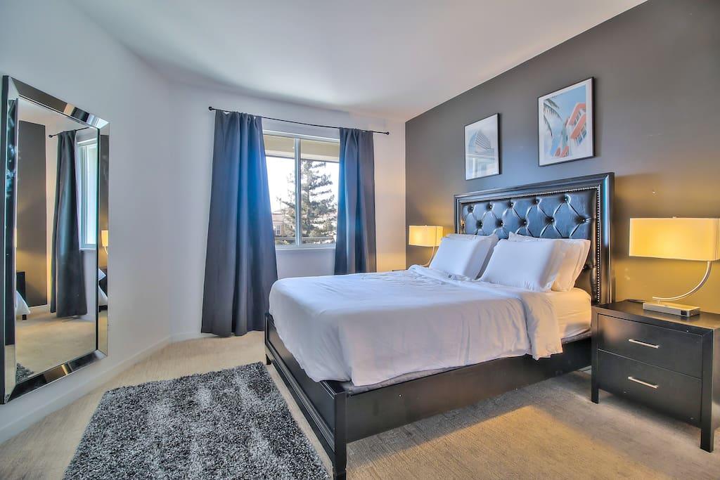 Guest Bedroom + Queen Bed + Extra Linens