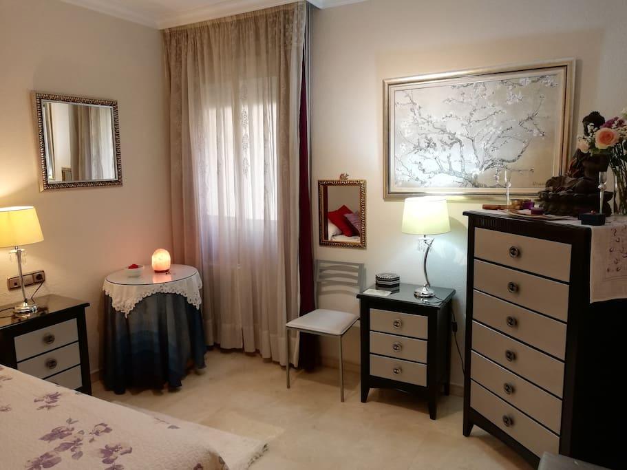 Dormitorio individual, amplio, confortable y silencioso