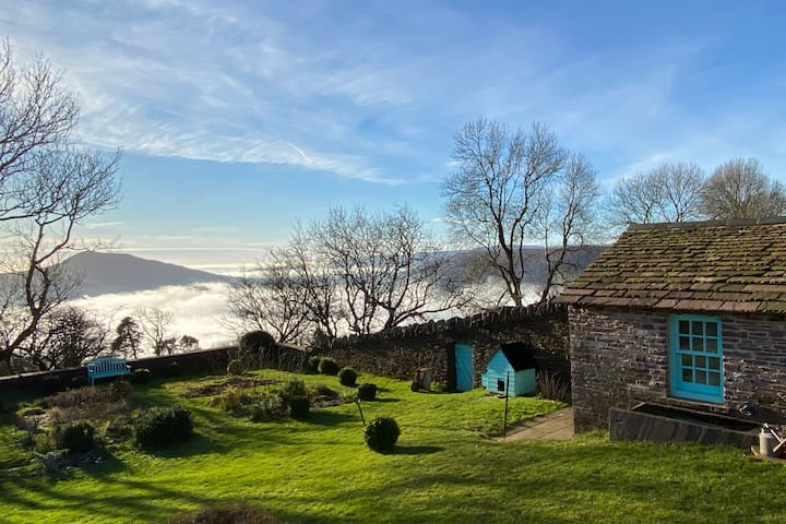 The Bothy in the Clouds (B&B) - Brecon Beacons