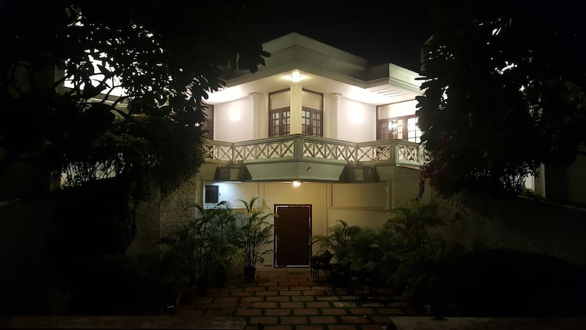 RawWorks - Quaint Farm House in the Lap of Nature. - New Delhi - Villa