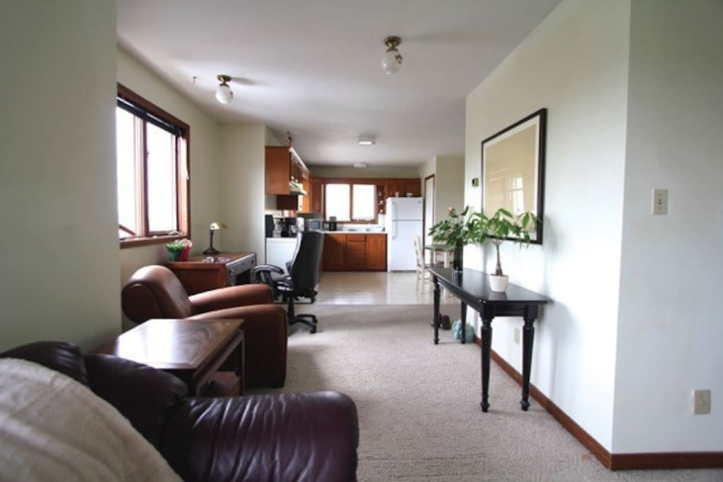 Upscale private 2 bedroom apartment south end apartments for rent in sudbury ontario canada for Cost to clean 2 bedroom apartment