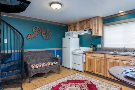 Nautilus - Cute beach lodging, kitchen, fireplace