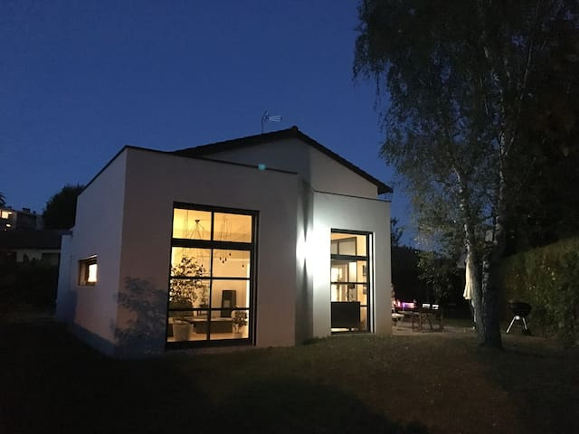 Maison contemporaine très proche centre Lyon - Lyon - House