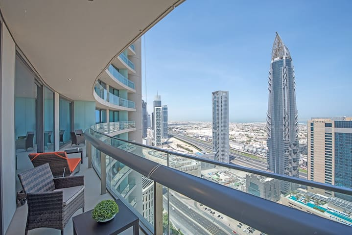 Burj Vista 2BDR with terrace in Downtown