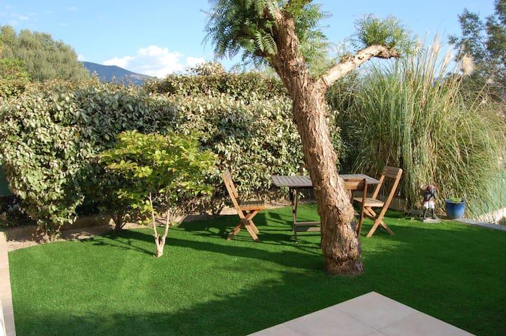 T3 neuf enrez de villa lumineux +jardin & terrasse - Sarrola-Carcopino - Huis