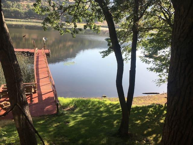 ~ Dockside Dream ~ Ski Lake Cabin w/ Private Dock