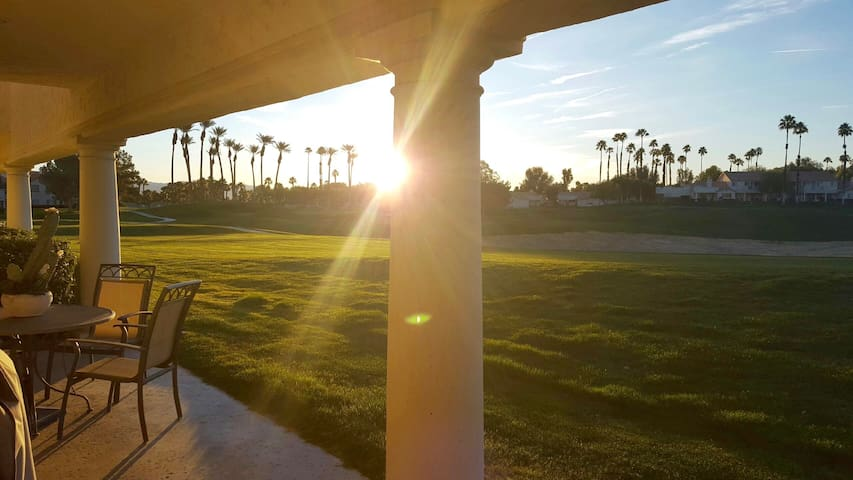 DESERT FAIRWAY 3/3 CONDO IN DESERT FALLS C CLUB - Palm Desert - Kondominium