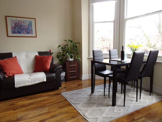 4 bedrooms Maida Vale apartment in central London